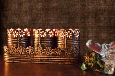 Height Of Designs Round Candle Votive with Tray Iron 3 - Cup Tealight Holder Set