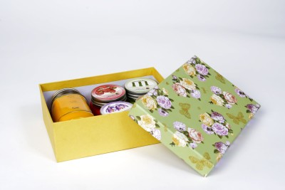 Artistique Floral Gift Box Candle