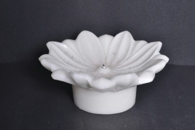 Sutra Decor Christmas Flower Candle
