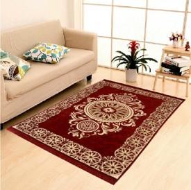 The Dazzling House White, Maroon Polypropylene Carpet(136 cm X 210 cm)