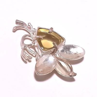 Kirti Gems Ethnic Look Silver Floating Charm