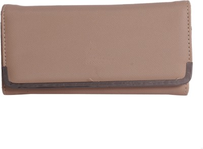 Whate Look Casual Brown  Clutch