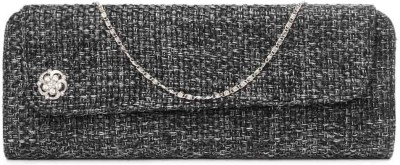 Kraftrush Women Casual Black  Clutch