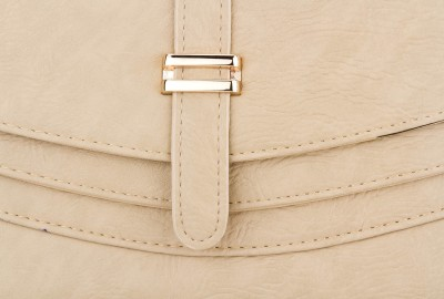 Swiss Design Women Casual White  Clutch