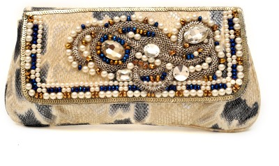 SG Collection Women Casual Beige  Clutch