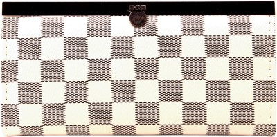 Metrovibes Women Casual White  Clutch