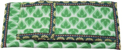 Vakula Exports Women Formal Green  Clutch