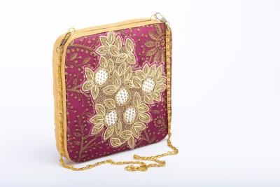 Silk&Sequins Women Formal Maroon, Gold  Clutch