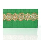Cartera Women Green  Clutch