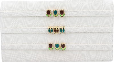 The Peacock Craft Casual White  Clutch