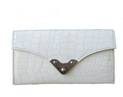 Klaska Women Casual White  Clutch