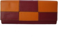 Klaska Women Casual Pink, Tan  Clutch best price on Flipkart @ Rs. 735