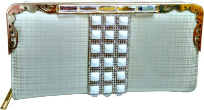 A To Z Creations Casual, Party White  Clutch