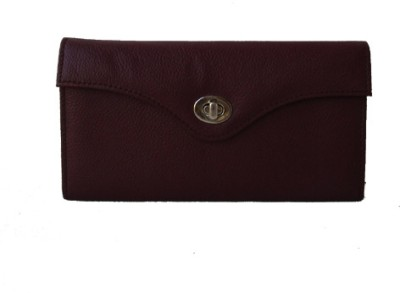 Klaska Women Casual Purple  Clutch