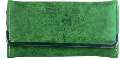 Hoppingstreet Green  Clutch