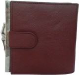 Berries Women Casual Maroon  Clutch