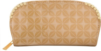 Aliza Women Casual Beige  Clutch