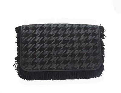 Romari Women Casual Black  Clutch