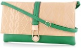 Daphne Women Casual Green  Clutch