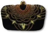 Posh N Plush Women Black  Clutch