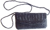 GiftPiper Women Party Black  Clutch