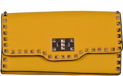 Zizelle Women Casual Yellow  Clutch