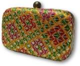 Posh N Plush Women Multicolor  Clutch
