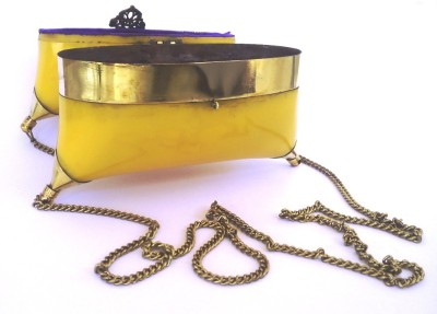 Hemshri Yellow  Clutch