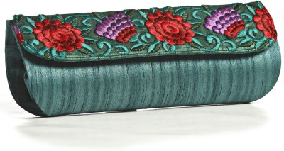 Aapno Rajasthan Women Casual Green  Clutch