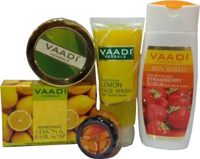 Vaadi Herbals Youthful Skin Gift Pack