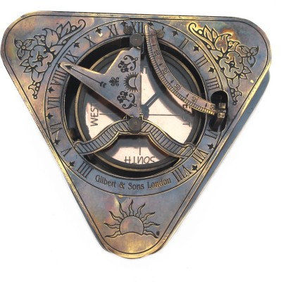 Shree Sai Direction Triangle Handicarft Showpiece Compass
