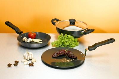 Usha Shriram Cookware Set