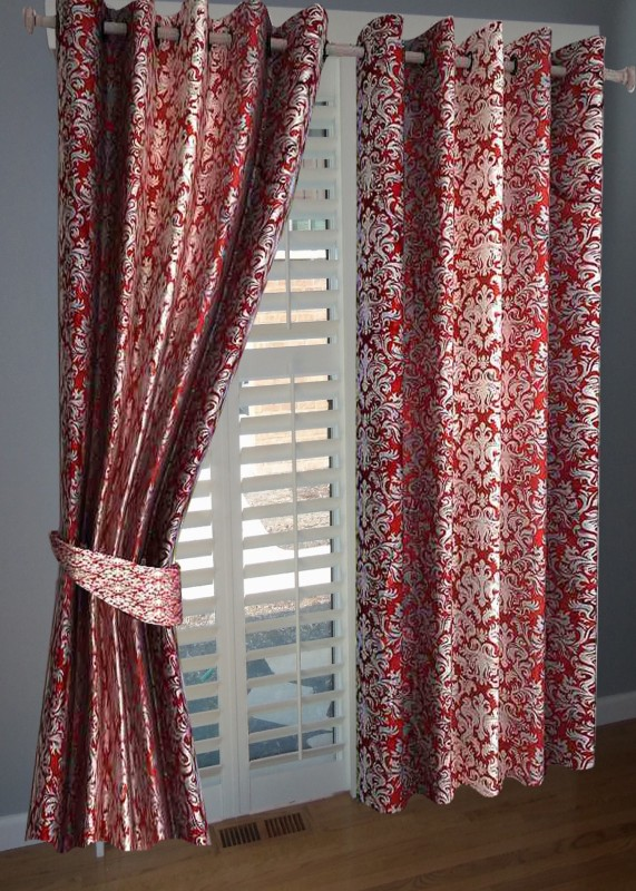 BNA Decor Polyester Red Abstract Eyelet Window Curtain(153 cm in Height, Pack of 2)