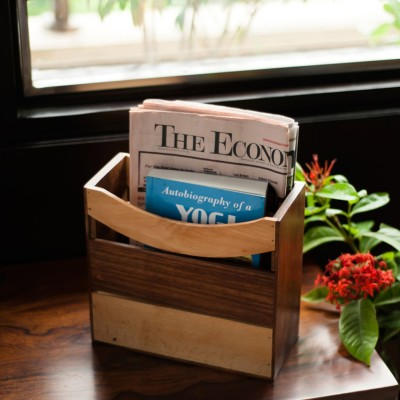 ExclusiveLane EL-007-017 1 Compartments Wood Magazine Holder
