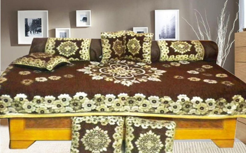 Optimistic Home Furnishing Polycotton Floral Diwan Set