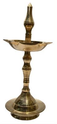 swadesibuyzzar Brass 5 batti kerla diya 8x8x16 cm Brass Table Diya(Height: 6 inch)