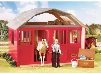 Breyer Painted Deluxe 2 Stall Barn