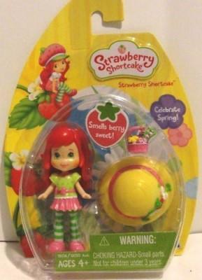 Hasbro Strawberry Shortcake Celebrate Spring Smells Berry Sweet
