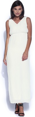 Dressberry Women's Maxi White Dress at flipkart