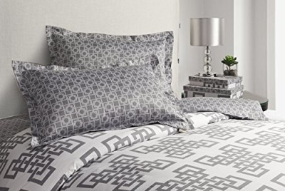 Image by Charlie Duvet Cover