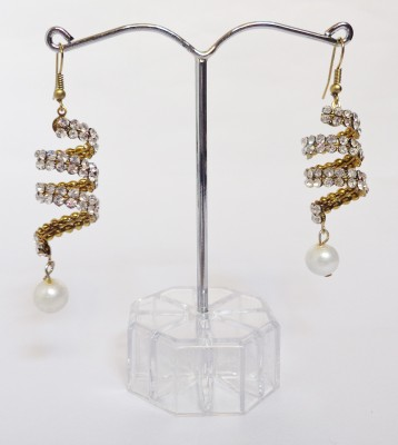 Vidya Ventures Trendy Look Alloy Earring Set