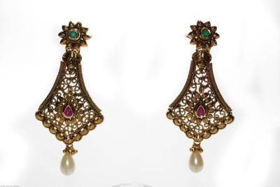 Ushine ushine golden alloy combo earring Crystal Yellow Gold Huggie Earring