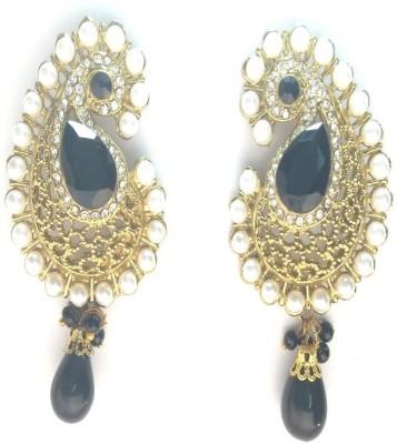 Fashion Pitaraa Pearl Delight Alloy Drop Earring