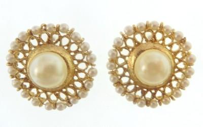 Radhesh Creation Radhesh Creation Crystal Brass Stud Earring