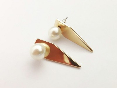 justfashionspirit Geometric Triangle Pearl Alloy Earring Set