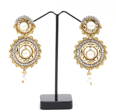 Hanishka Alloy Chandelier Earring