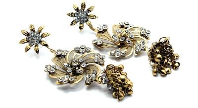 Zidox Beautiful Flower Shaped Brass Drop Earring