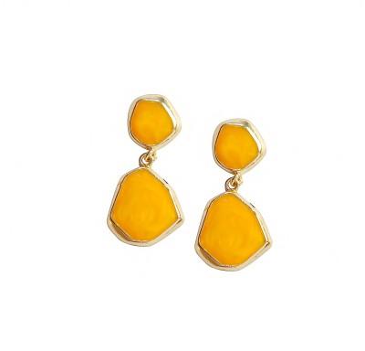 Bezel ME - 51 Golden Yellow Alloy Drop Earring