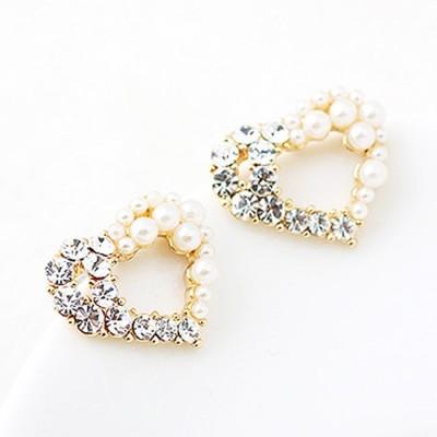 Cilver Fashion Pearl Heart Design Alloy Stud Earring