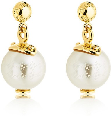 SJ Pearls royal Mother of Pearl Alloy Stud Earring